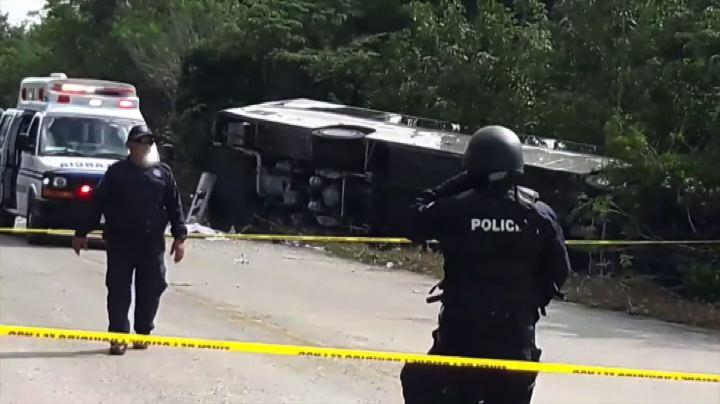 Messico, grave incidente a un bus turistico: 12 le vittime